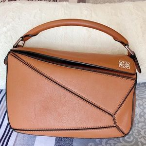 Loewe Puzzle small Tan with 4 feet and wide strap